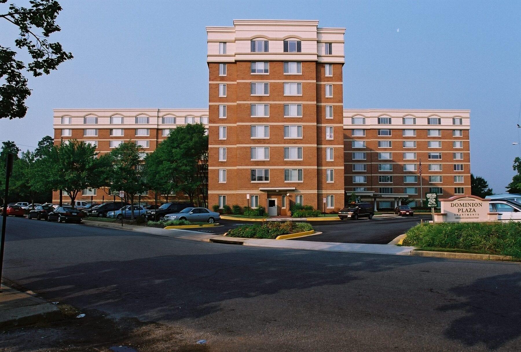 Dominion Plaza (31)
